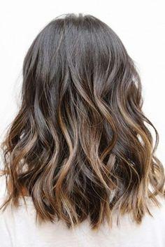 Tinte cabello largo moreno castaño balayage