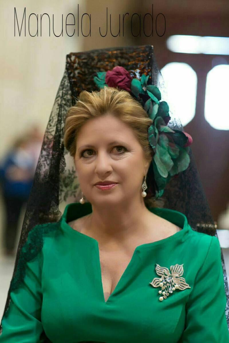 Peinados para bodas Madrina con Mantilla tono verdes