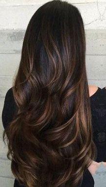 Tinte cabello largo tono moreno y bronce