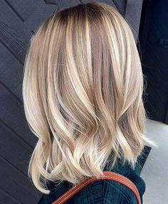 Tinte cabello largo tono dorado rubio