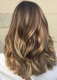 Tinte cabello largo tono castaño dorado