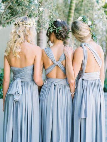 el tiempo en cordoba afecta al peinado novia con adorno y flequillo floral