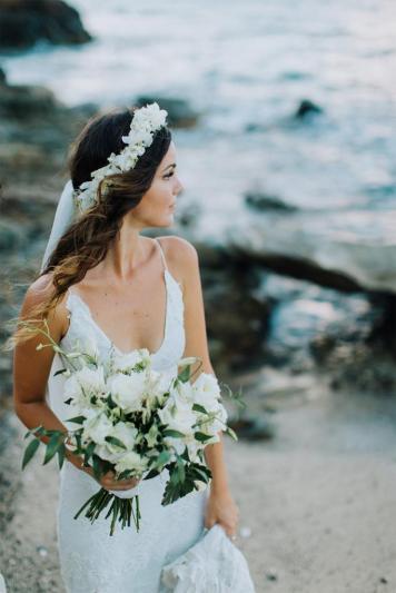 el tiempo en cordoba afecta al peinado novia en pelo velo corto