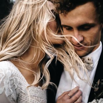 el tiempo en cordoba afecta al peinado novia para media melena