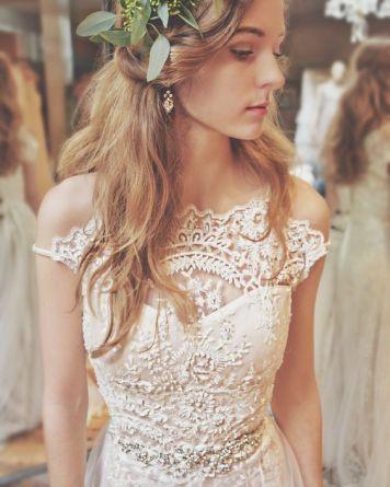 el tiempo en cordoba afecta al peinado novia pelo largo rizado
