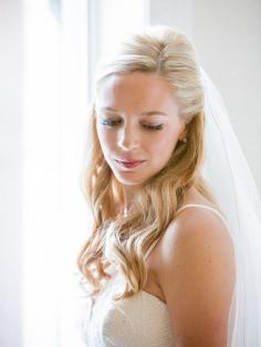 peluqueria cordoba semirecogidos novias con velo pelo rubio oro
