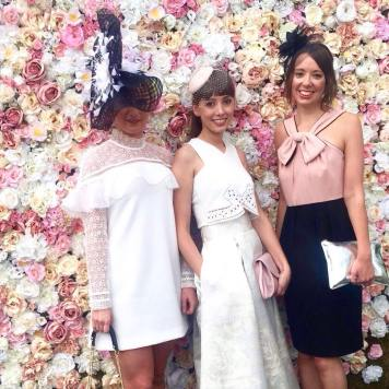 Tocados para bodas conjunto de invitadas Cordoba