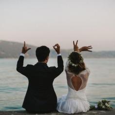 25 Fotos de boda con símbolos en las manos