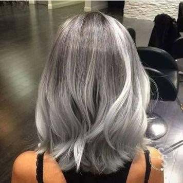 Mechas reflejo pelo gris ceniza