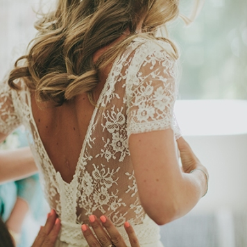 peinados de novia para encaje de flores en córdoba
