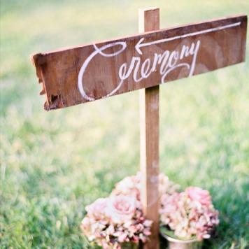 carteles baratos de boda al aire libre