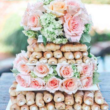Idea 2 tarta de boda Rosas y Hojaldre