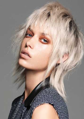 Corte de pelo y peinado fibra entradas oscuras