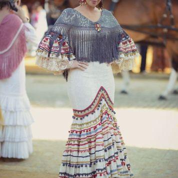 Recogidos flamenca para Pelo Corto en Lucena