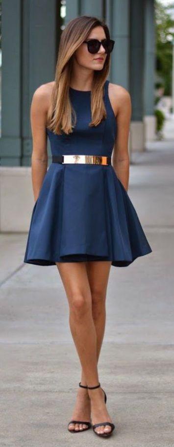 Vestido de fiesta y su peinado azul cinturon dorado en Cordoba