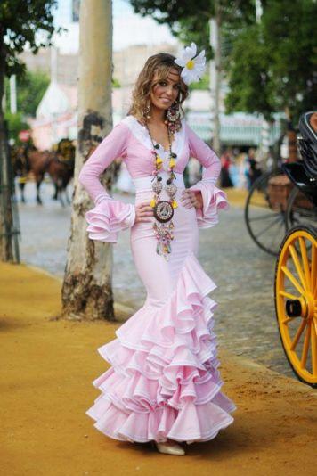 Feria y Fiestas Barriada de los Angeles Alcolea Flamenca Blanco y Rosa Palo