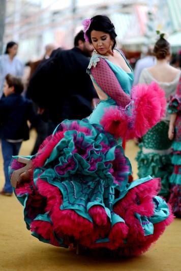 Feria y Fiestas Barriada de los Angeles Alcolea Flamenca Fucsia y Azul