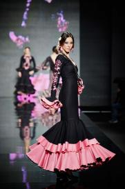 Feria y Fiestas Barriada de los Angeles Alcolea Flamenca Rosa