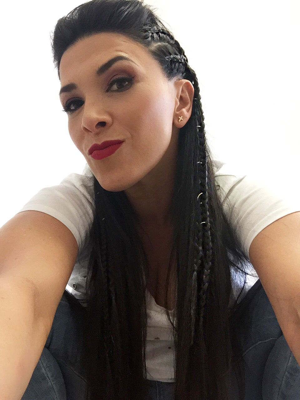Peinados De Trenzas De Lado Y Cabello Suelto Manuela