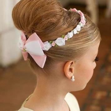 Adornos para peinados de niña Primera Comunion Moño alto con Corona y Lazo