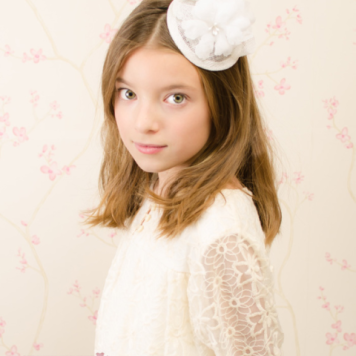 Adornos para peinados de niña Primera Comunion Raya al Centro