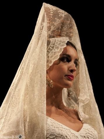Fotos de como se lleva la Mantilla de Madrina La Rambla