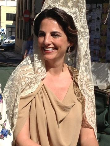 Fotos de como se lleva la Mantilla de Madrina Pozoblanco