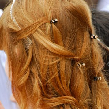 Peinados con encanto para niñas de Comunion Ollerias el Carmen