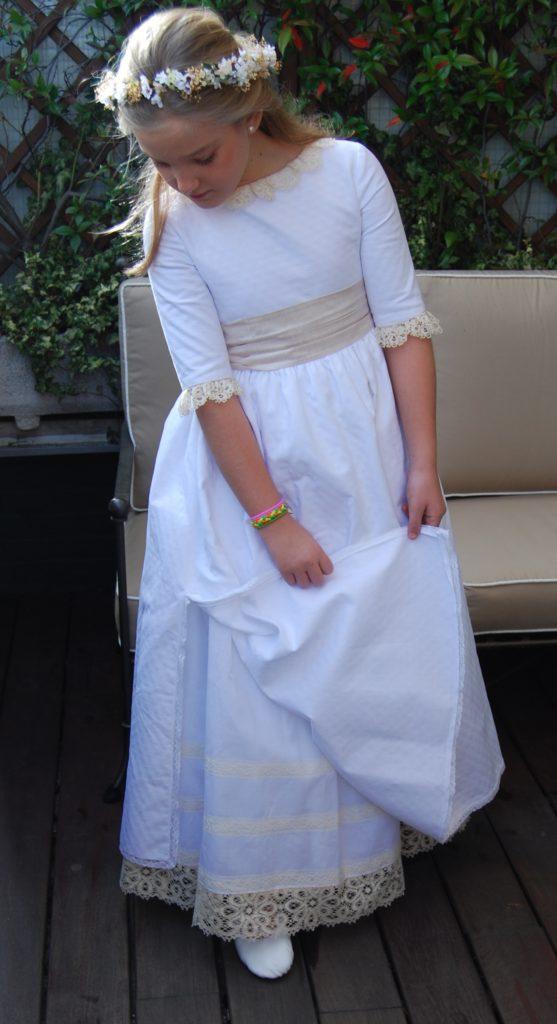 Peluqueria para niñas de Primera Comunion en Cordoba Beige y Blanco