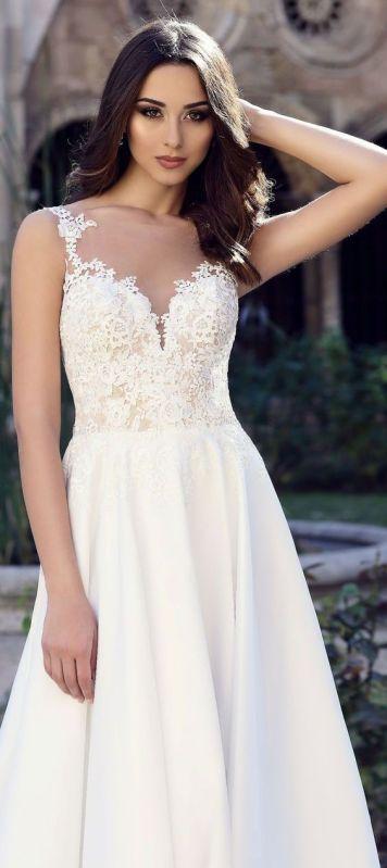 Vestidos de Novias y Peinados con tendencia Romantica Puente Genil