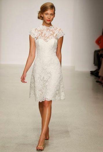 Peinados con Vestidos de novia cortos Recogido bajo a un lado