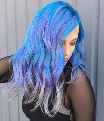 Tintes de Neon y Propuestas de Colores Azul y Violeta