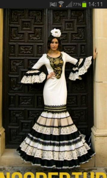 Todo Ideas en traje de gitana blanco y negro