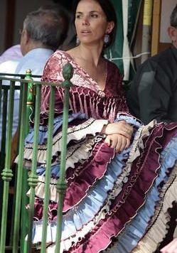 Todo Ideas en traje flamenca rojo berejena
