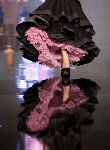 Todo Ideas en virgen gitana enaguas rosa