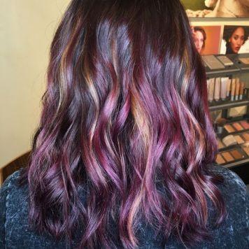 Tendencia y Estilo Peanut butter & jelly, un pelo de Mermelada con Cacahuete tono mora