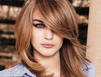 La Tendencia de Corte de pelo y Peinado que se impone, el Long bob con peinados de comuniones