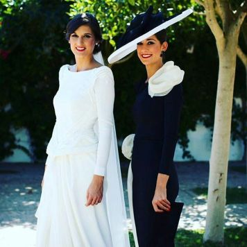 Ser la Madrina Ideal con Tocado, Mantilla o Sombrero Azul