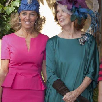 Ser la Madrina Ideal con Tocado, Mantilla o Sombrero para la Madre de la Novia