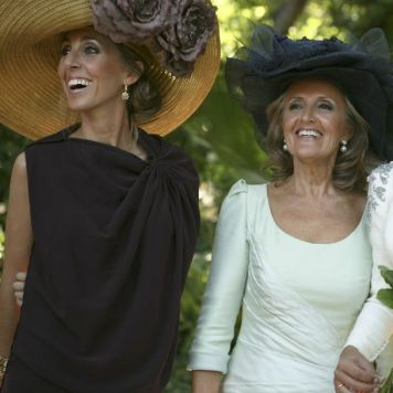 Ser la Madrina Ideal con Tocado, Mantilla o Sombrero y Traje