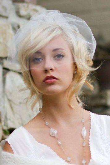 Tocados para Novias de Pelo Corto con velo Blanco