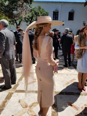 Vestidos con Peinados que sirven para Invitadas y Madrinas de Boda Carcabuay