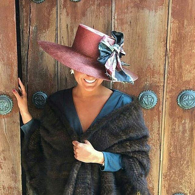 Vestidos Elegantes Cortos y Largos para Ceremonias de Noche y Dia