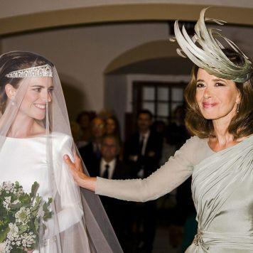 Vestidos Elegantes Cortos y Largos para Ceremonias Tocado