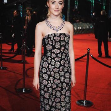 Vestidos y Peinados de Celebrities a la moda Santaella