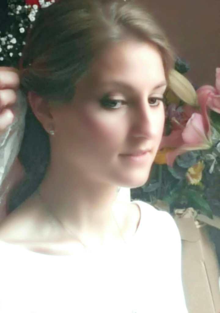 La Belleza Clasica de Bea en su Boda Imagen Frontal