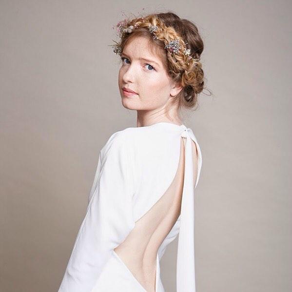 20 Novias con Peinados Cortos y Vestidos Largos (14)