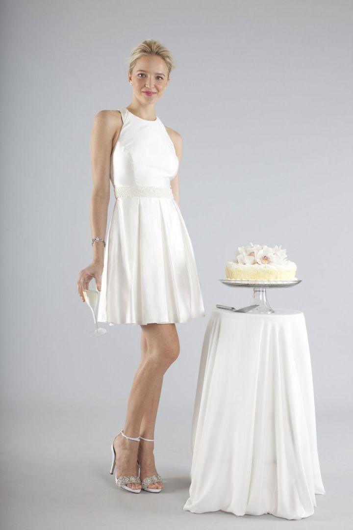 Peinados desenfadados para vestidos de novia Cortos (7)
