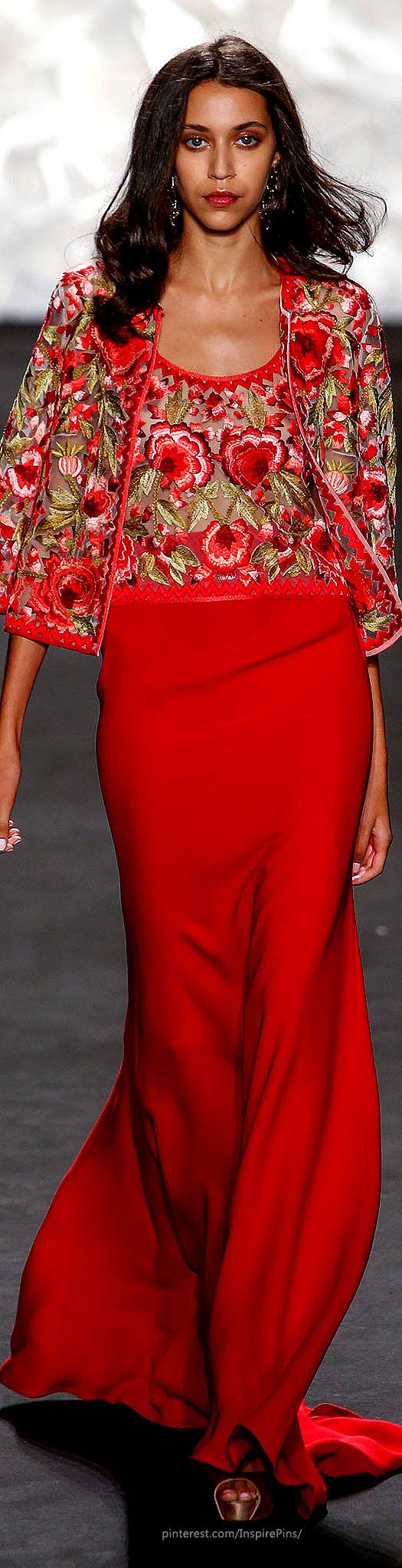 Vestidos de Gala que van bien para peinados clasicos Pelo suelto con Rojos
