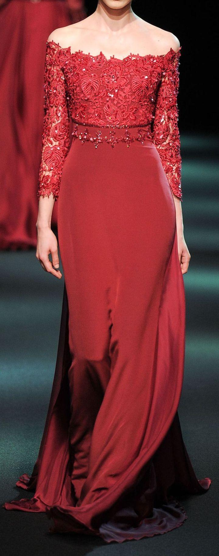 Vestidos de Gala que van bien para peinados clasicos Rojo